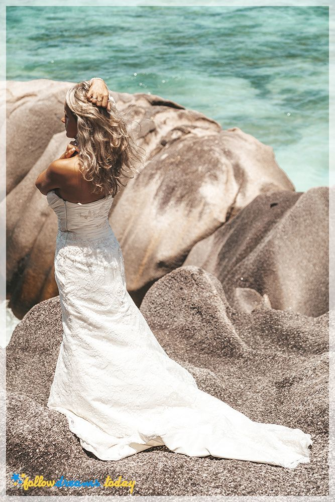 Seychelles - tropical weeding