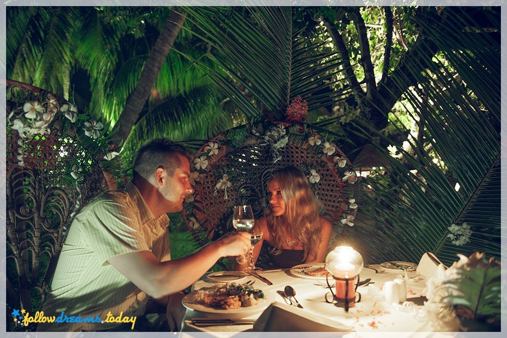 wedding dinner exotic beach