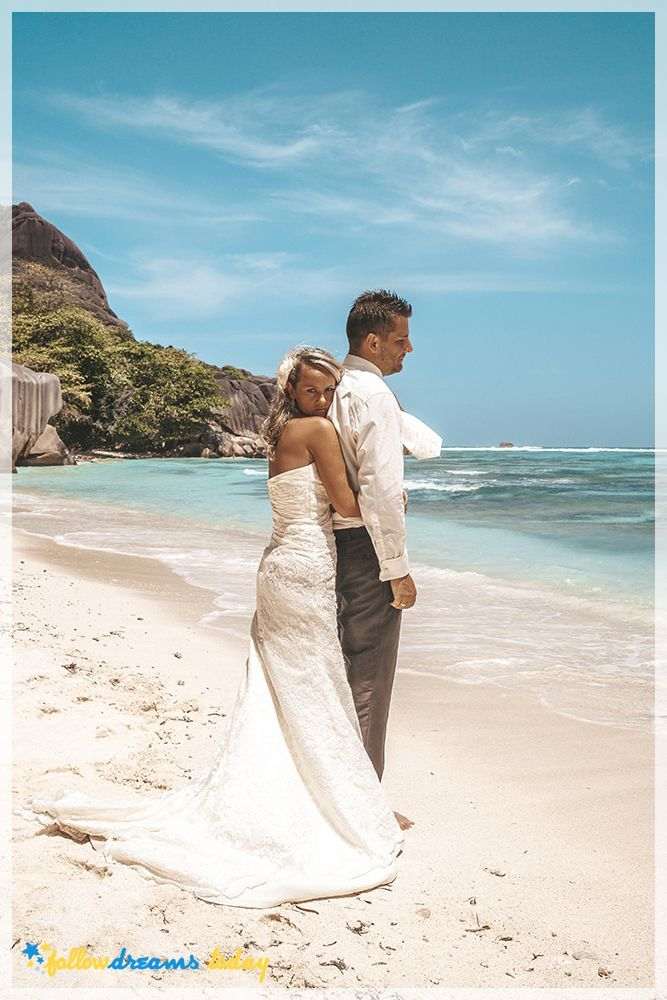 Wedding on White beach, Anse Source d'Argent